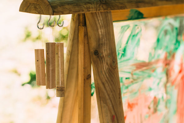 Plum Paint and Create Easel - Wind Chimes